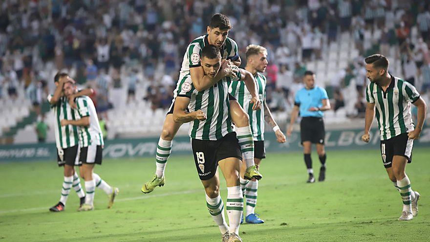 Adrián Fuentes firma el debut soñado con el Córdoba CF