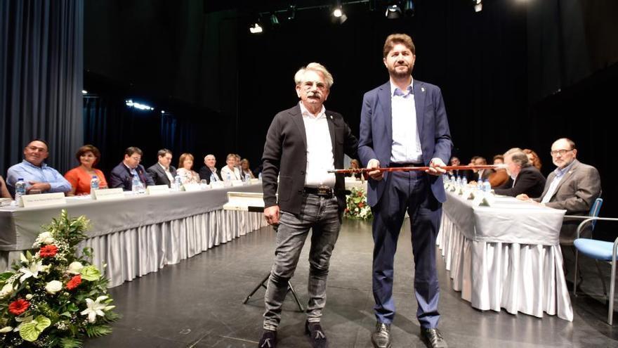 Calvelo, reelegido alcalde con el único voto en contra del BNG