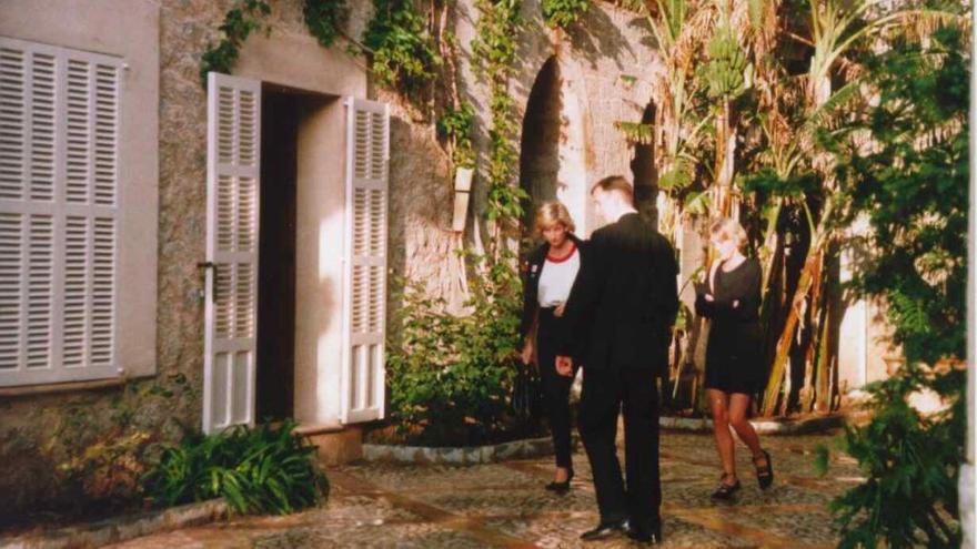 Louis Vuitton desembarca en Mallorca, con la compra de la Residencia de Deià
