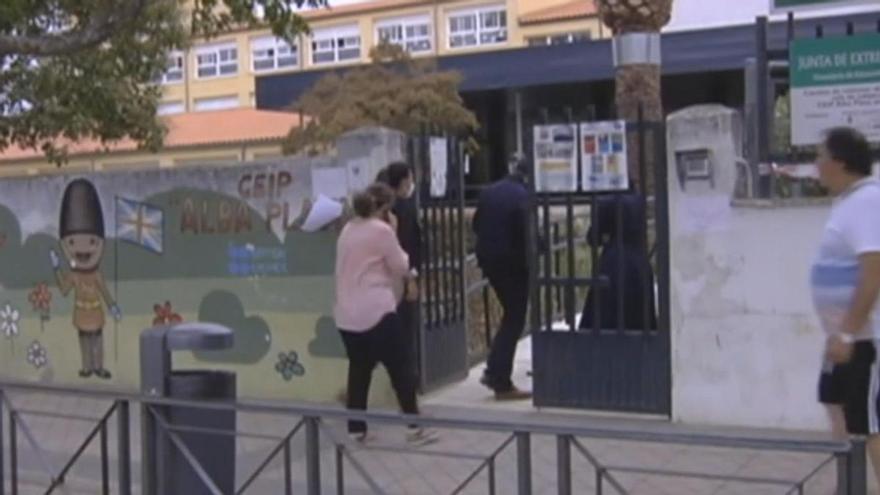 Extremadura separa a dos alumnas cuya familia no les permite llevar mascarilla