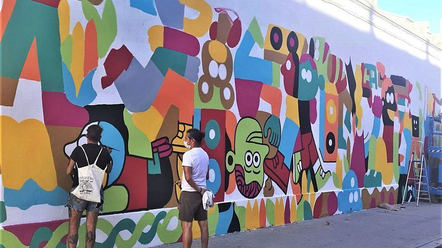 La Torre ya exhibe el mural de los vecinos