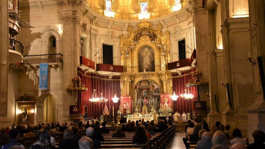 Así fue la eucaristía del Domingo de Resurrección en Elche