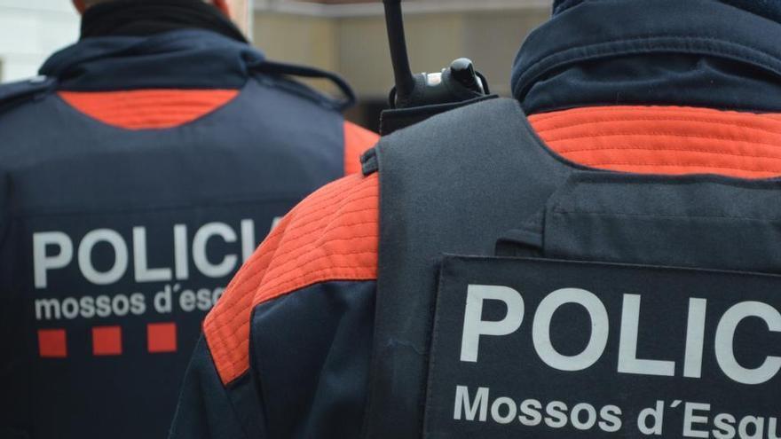 Desarticulen una xarxa internacional de proxenetes a Girona, fan 19 detencions i alliberen 18 dones