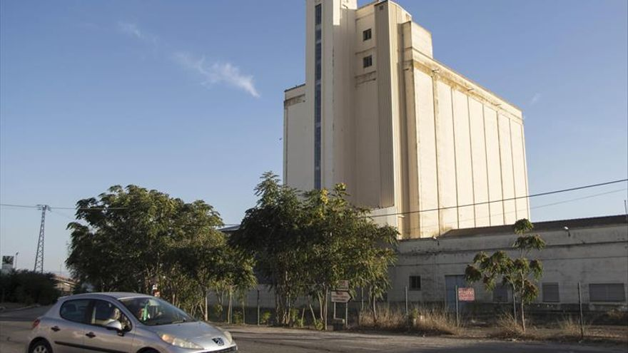 Una empresa de suministros agrícolas local adquiere el silo de Santa Cruz