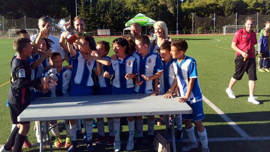 L'Espanyol aleví guanya el Juncària Cup a Figueres