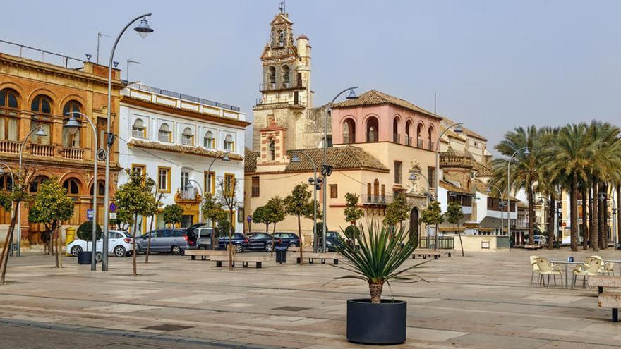Andalucía confina Écija y veta las clases presenciales en la Universidad de Granada