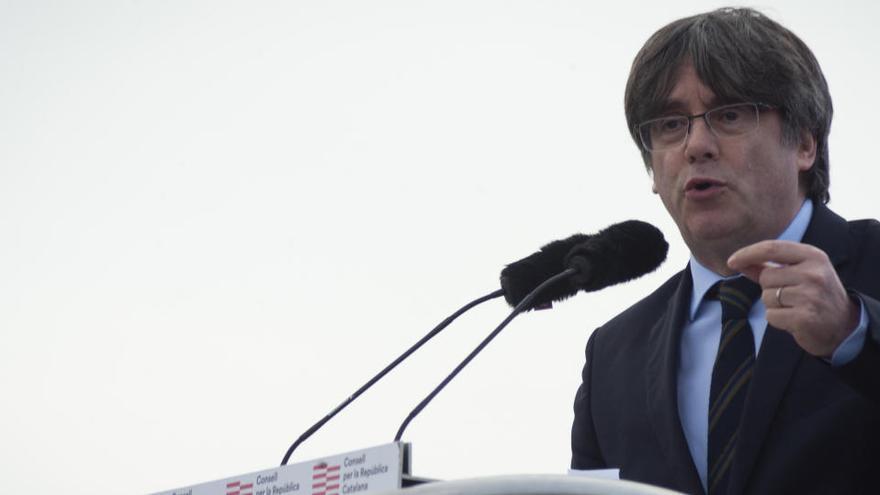 """Puigdemont asume el """"error histórico"""" de congelar la declaración de independencia"""
