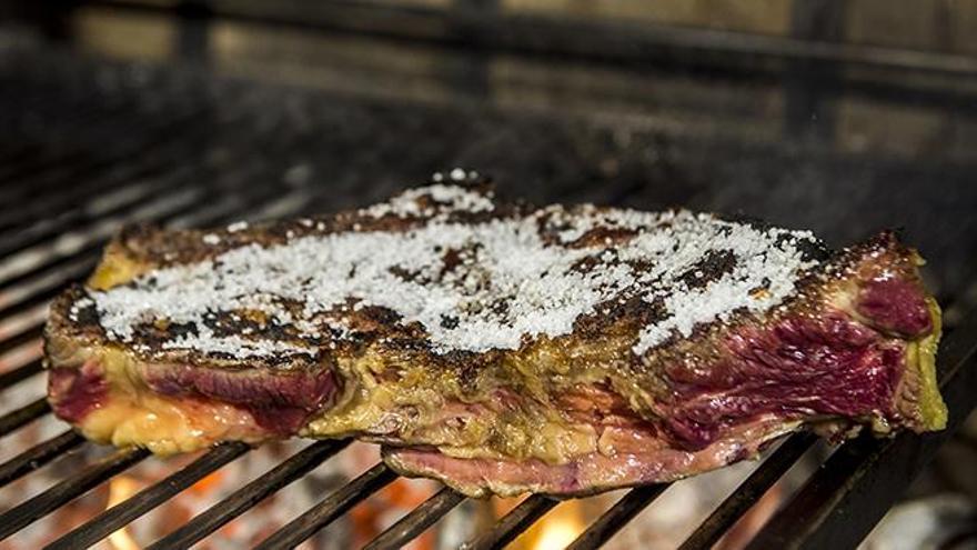 ¿Debemos limitar el consumo de carne?