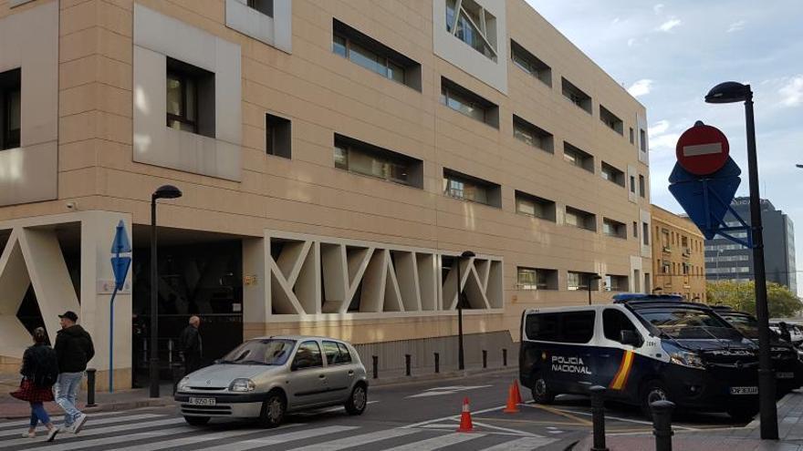 Diversitat denuncia una agresión verbal homófoba en una sala de fiestas de Alicante y la atención del 112