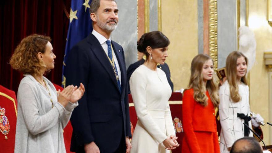 """""""España no puede ser de unos contra otros"""", insta Felipe VI a los diputados"""