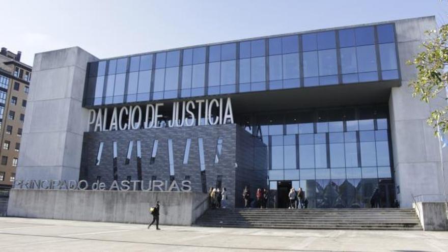 La Fiscalía pide una multa de 9.000 euros al hombre que se hizo pasar por dentista