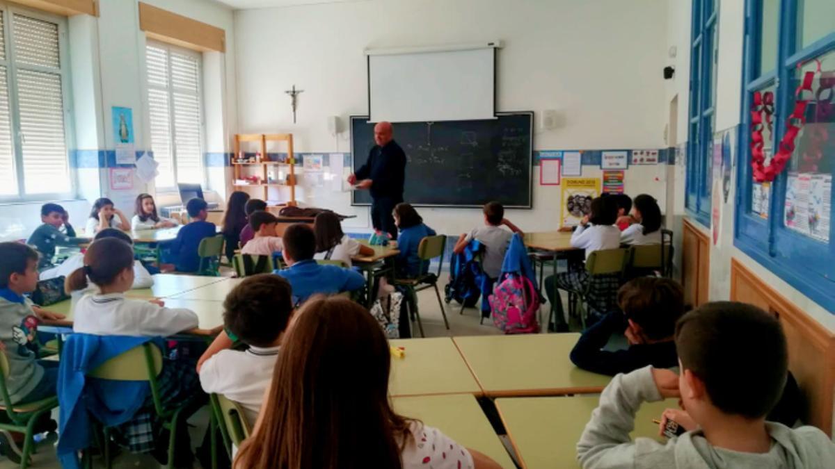Varios escolares en un centro educativo de la provincia