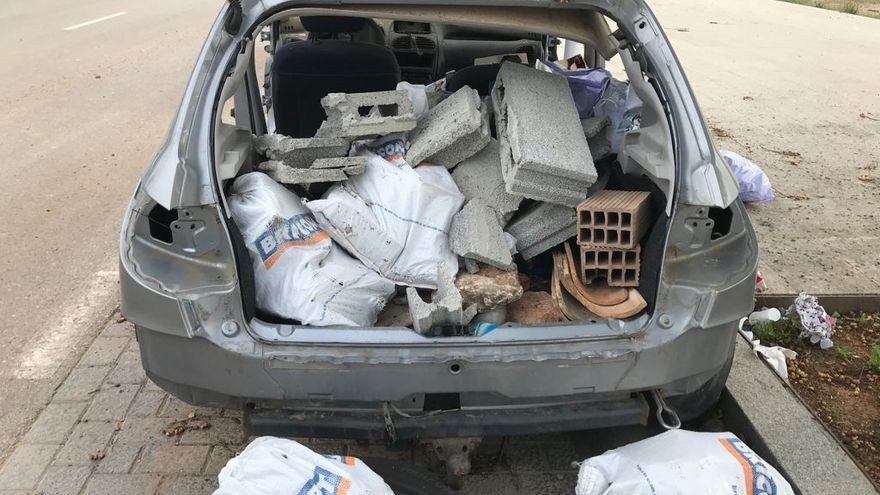 Seguridad Ciudadana ordena la retirada de otros 50 coches abandonados