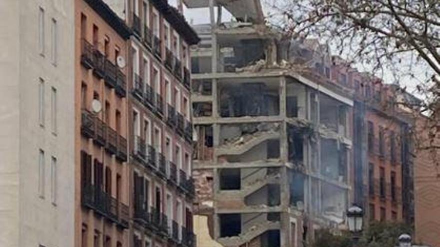 Almenys tres morts i una desena de ferits en una explosió en un edifici del centre de Madrid