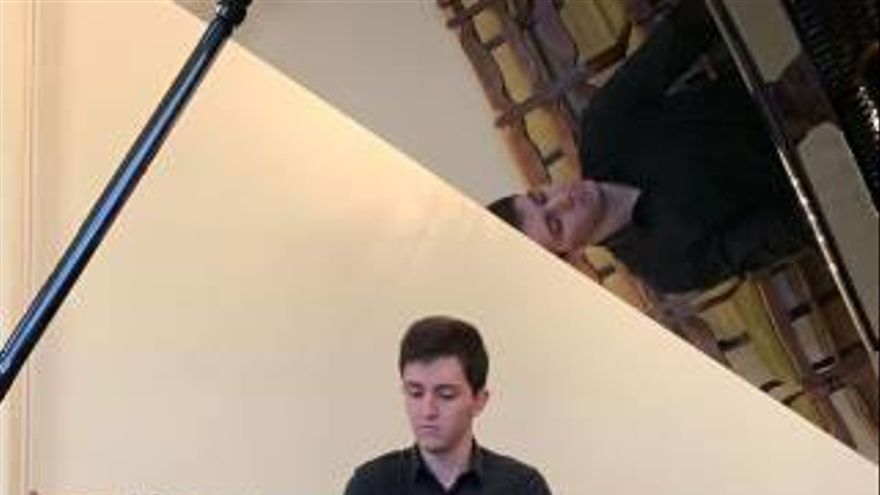 Un pianista de 19 años de Catadau triunfa en Letonia