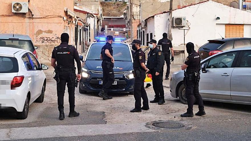 Cinco detenidos y varios kilos de droga intervenidos en La Tafalera de Elda