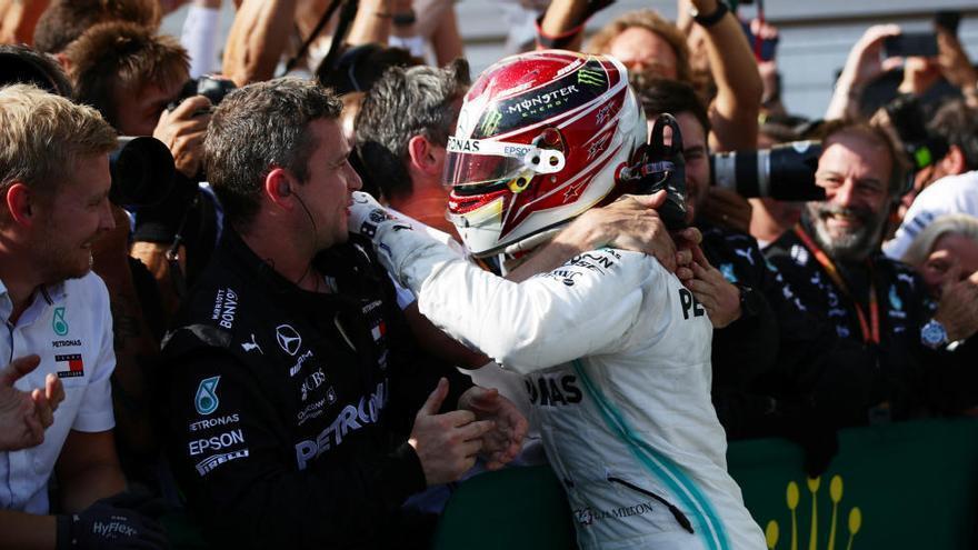 L'estratègia de Hamilton i Mercedes frena Verstappen a Hungaroring