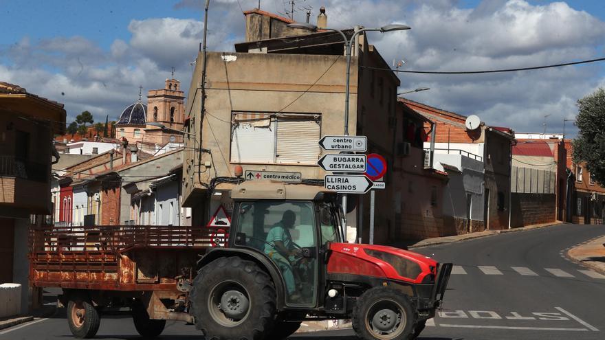Detienen a dos hombres por cometer robos presuntamente en Pedralba y Vilamarxant