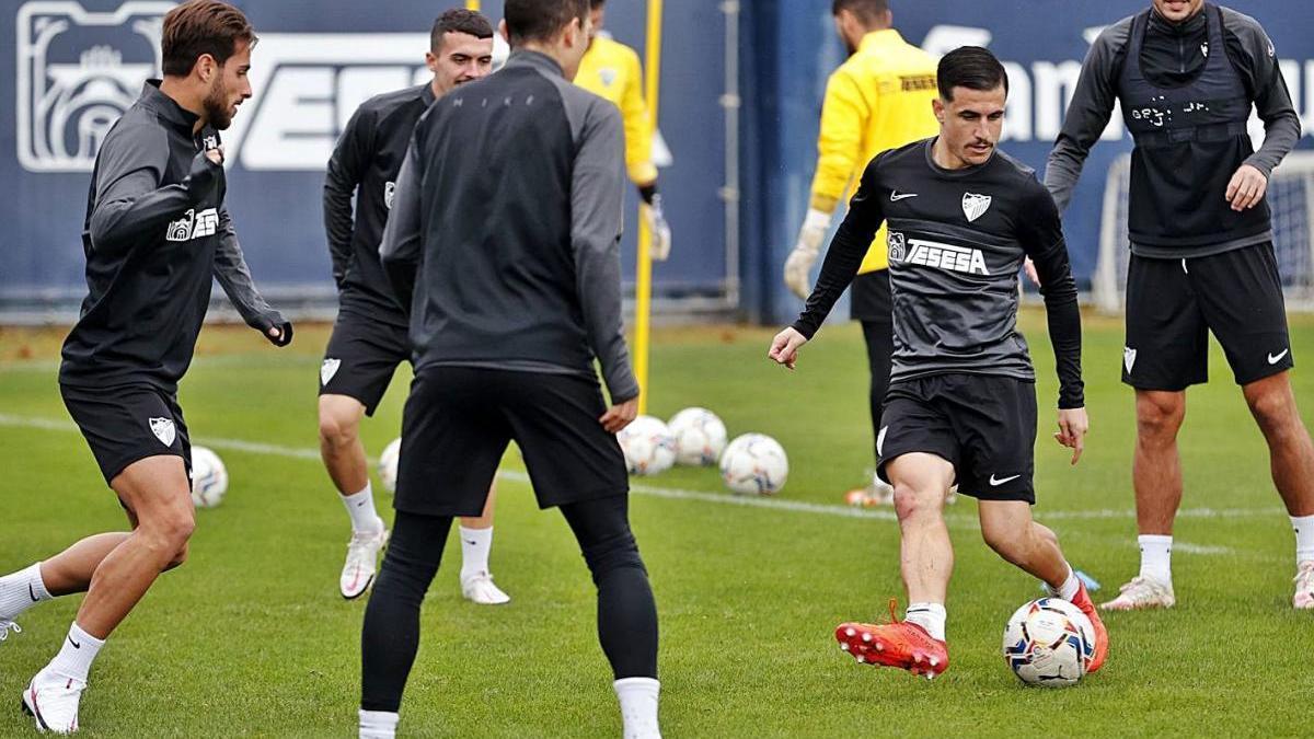 Último entrenamiento del Málaga CF antes de enfrentarse al Lugo en La Rosaleda.