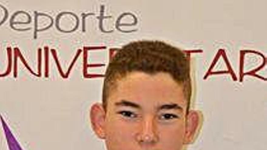 Alejandro Hernández, bota de oro de la Regional Cadete de Castilla y León con 67 goles