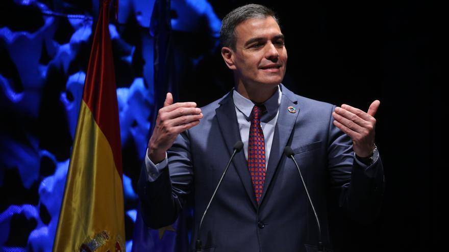 Sánchez anuncia que en junio comenzará la vacunación masiva de menores de 50 años