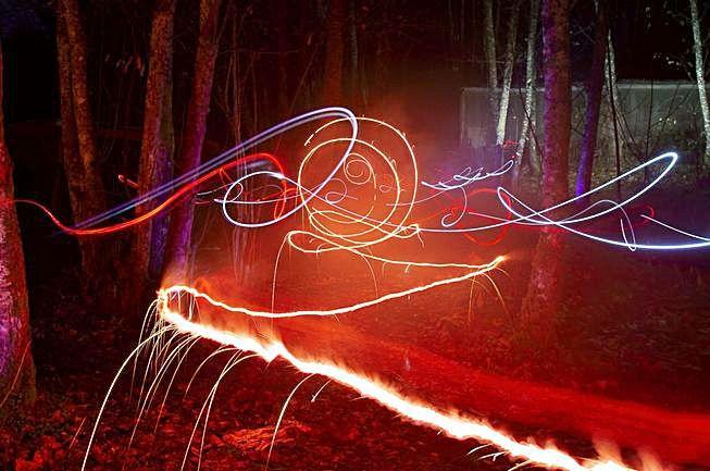 Delles imaxes de les instalaciones artístiques y les actividaes de Llume.