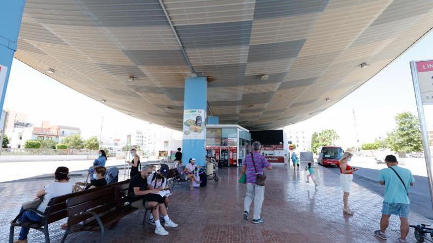 Ibiza pide al Govern financiación para el transporte de la isla