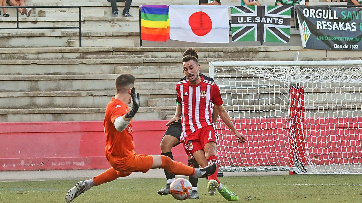 Pau Darbra va oferir ahir una exhibició d'aptituds que va arrodonir amb el tercer gol blanc-i-vermell   JORDI BIEL
