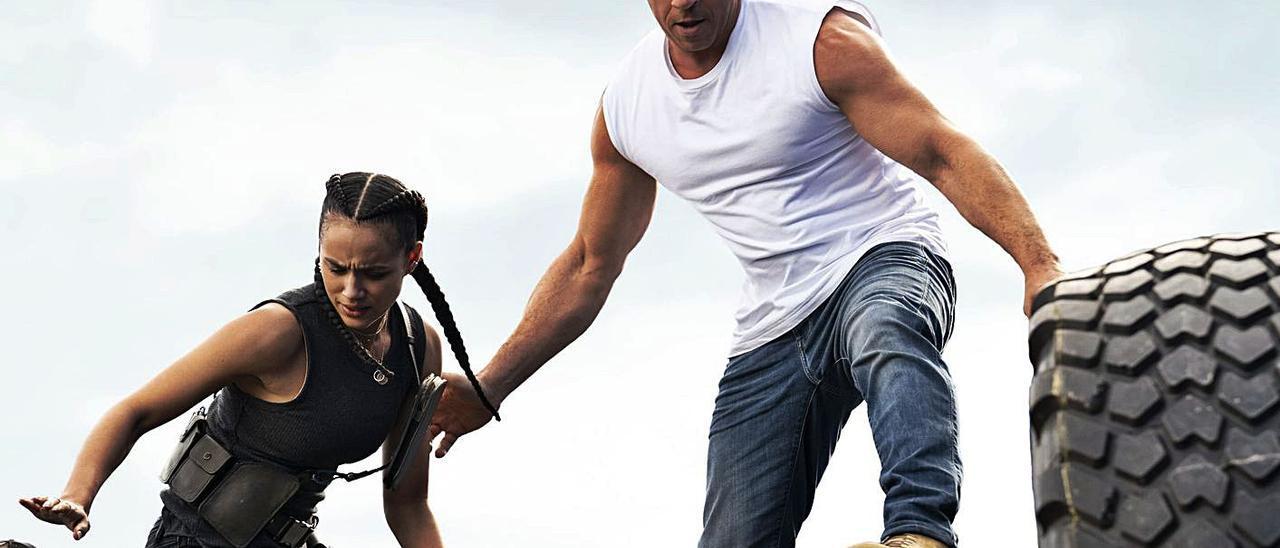 Vin Diesel y Nathalie Emmanuel, en acción.
