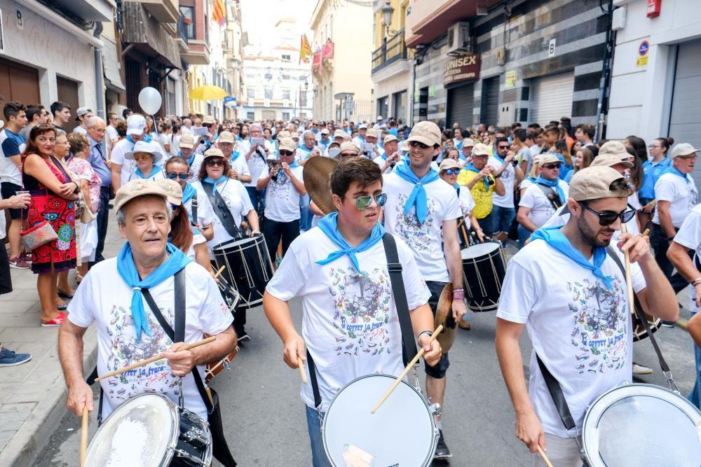 Multitudinaria participación en la tradicional carrera del Ayuntamiento a la plaza Castelar con motivo de la festividad de la Virgen de la Salud