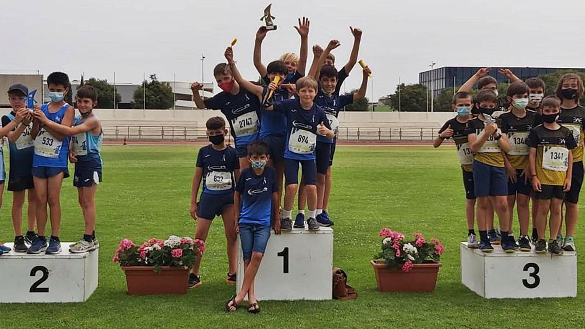 Podio por equipos, en la categoría masculina sub-12, del campeonato de Mallorca celebrado en el polígono de Son Castelló.