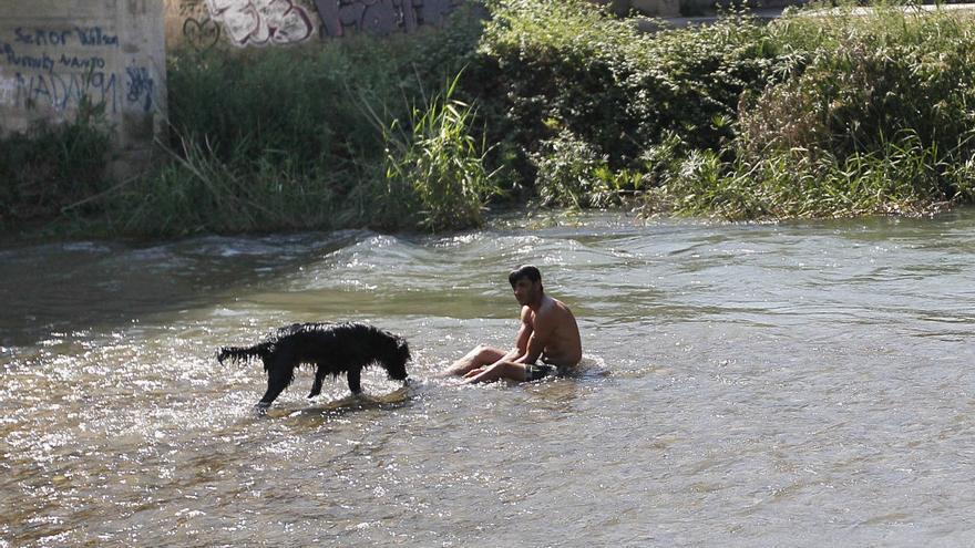 Prohibido el baño en el río Túria para evitar posibles contagios de coronavirus