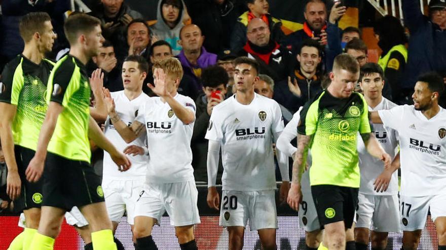 El Valencia aprovecha su superioridad ante el Celtic