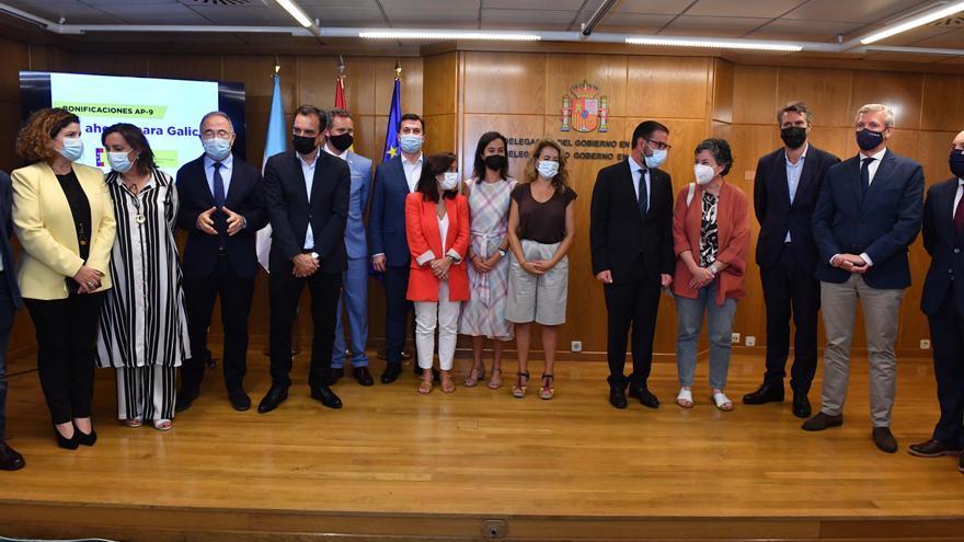 La ministra de Transportes Raquel Sánchez detalla el nuevo esquema de bonificaciones de la AP-9 en A Coruña