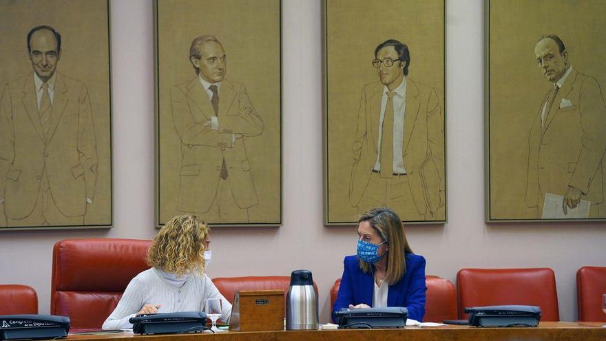 La oposición censura a Illa por dimitir justo antes de su comparecencia mensual