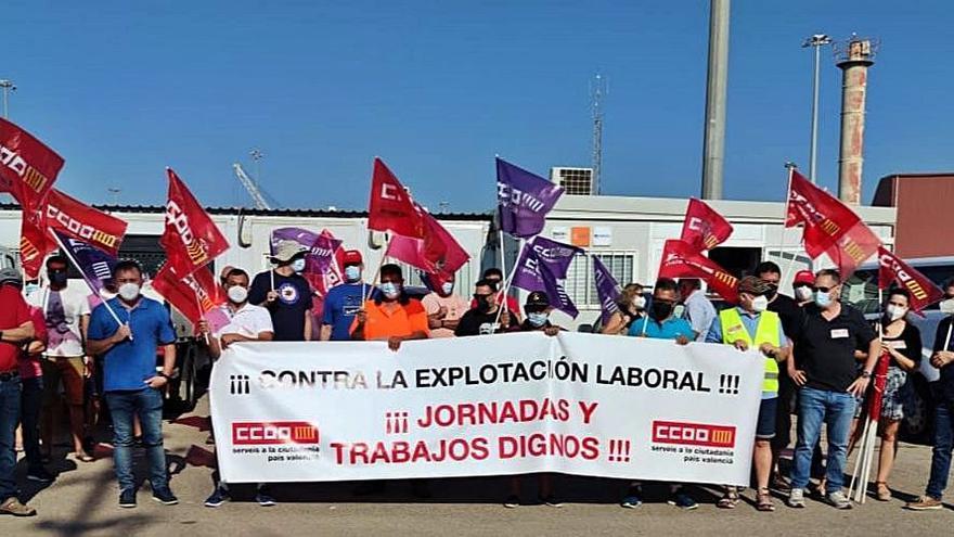 La huelga parcial de los   amarradores se intensifica  en el puerto de Sagunt