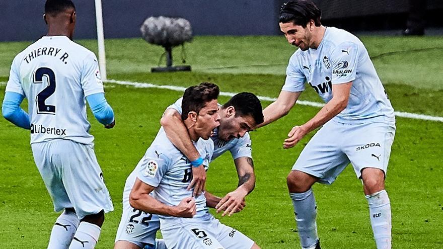Paulista rescata un valioso punto para el Valencia
