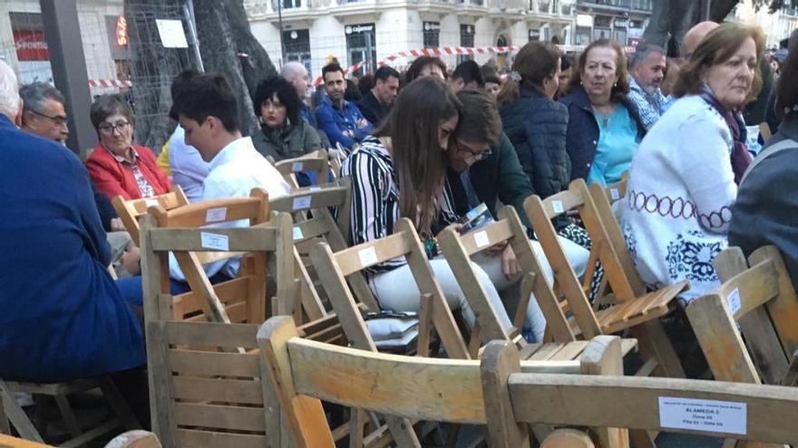 Quejas de los abonados de la Alameda por el caos de sillas