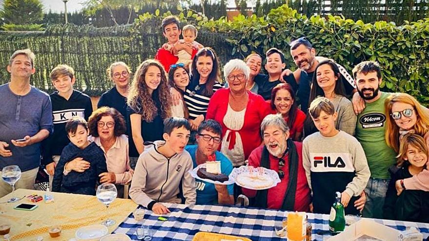 Perfecto Arjones con su familia