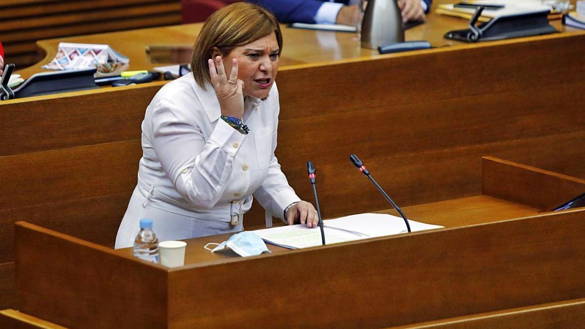 La presidenta del PPCV, Isabel Bonig, ayer, durante su intervención en las Corts.