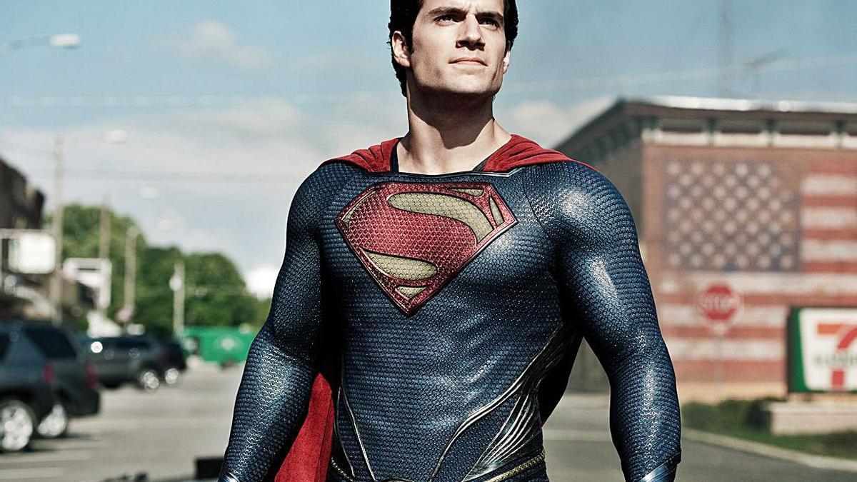 Henry Cavill interpretó  al superhéroe en las últimas entregas del personaje.   | // WARNER BROS