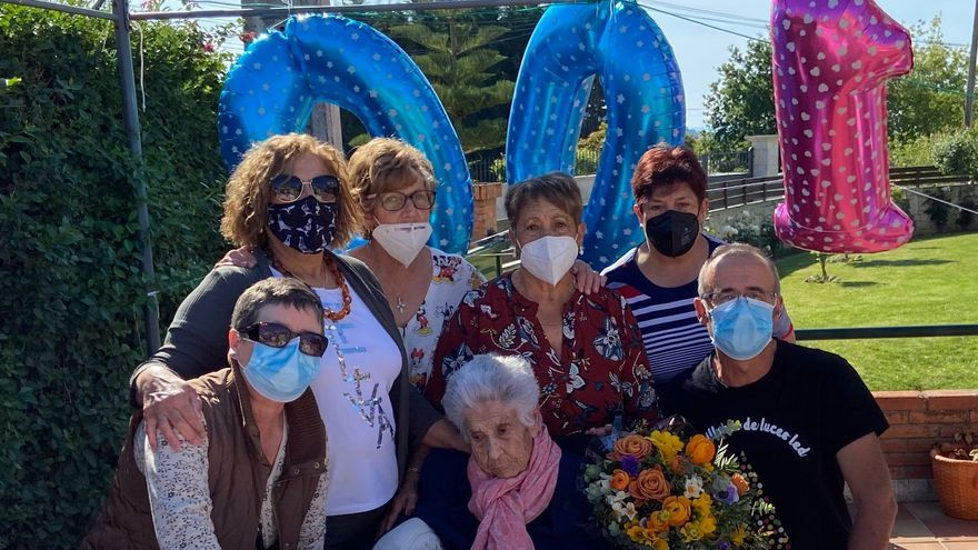 Esperanza García Yáñez celebra los 100 en Panxón