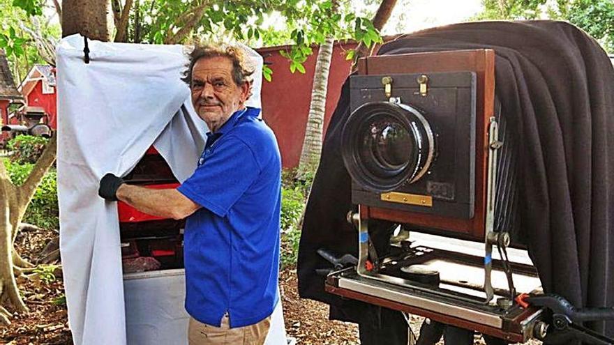 El viaje a los inicios de la fotografía del artista mallorquín Miquel Salom