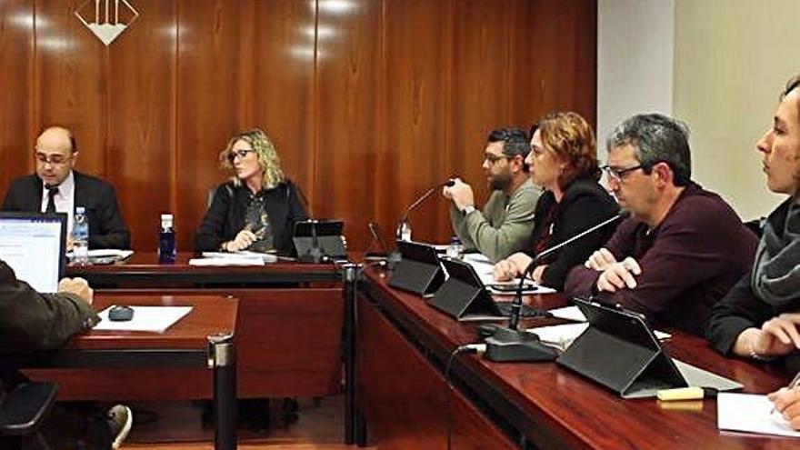 El ple de Llançà aprova per unanimitat ser municipi feminista