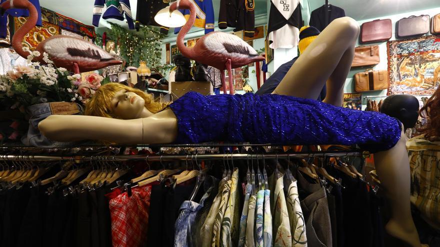 Las tiendas de ropa 'vintage' de Zaragoza: vestir a la moda y de forma sostenible