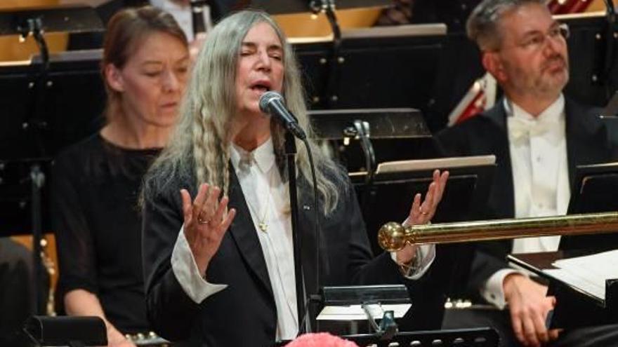 La humanitat de Patti Smith eclipsa l'absència de Bob Dylan als Nobel