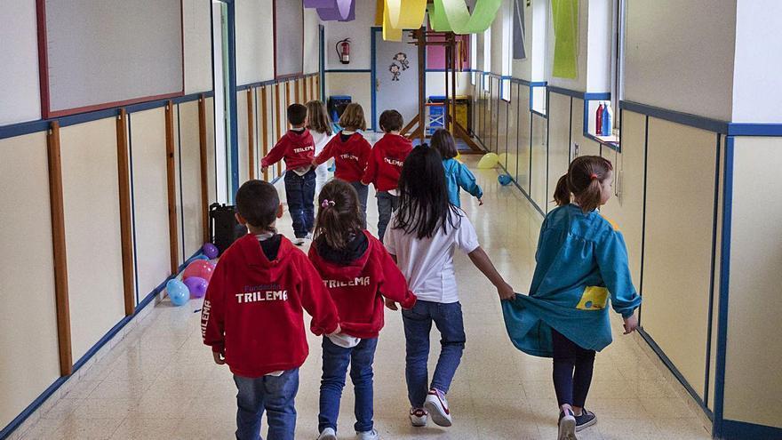 Castilla y León aislará las aulas cuando haya un positivo en el próximo curso escolar