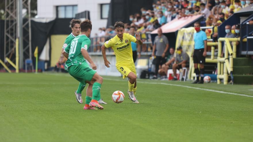Arana lidera la segunda victoria del Villarreal B ante el Cornellá (3-0)