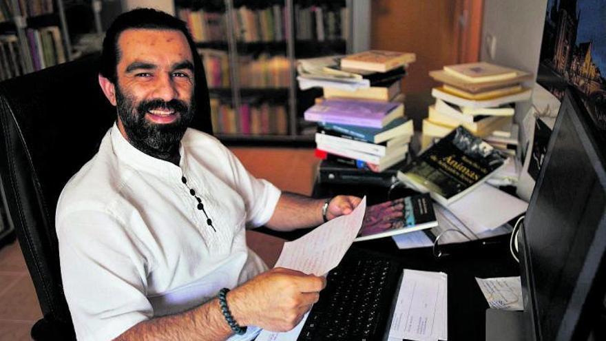 José Miguel Perera: «En mi libro el Atlántico  se torna enemigo»