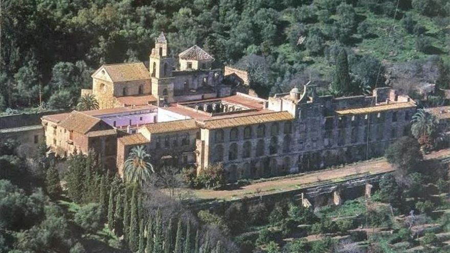 El Ayuntamiento organiza visitas al Monasterio de San Jerónimo de Valparaíso para mayores